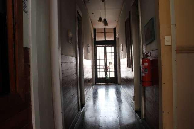 Pasillo 1° piso sector acceso hostal